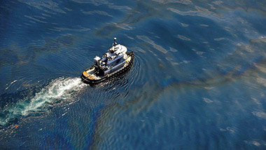 Liability for oil spills emanating from ships in Bahamian waters